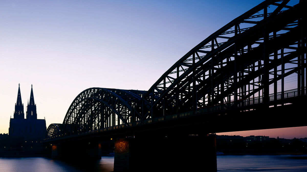Messestadt Köln - Hohnzollernbrücke