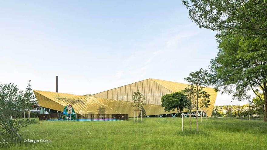 Golden nugget - La Fontaine multisports complex in Antony, France