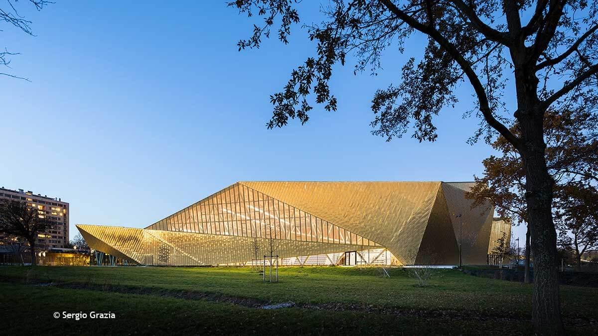 La Fontaine multisports complex in Antony, France