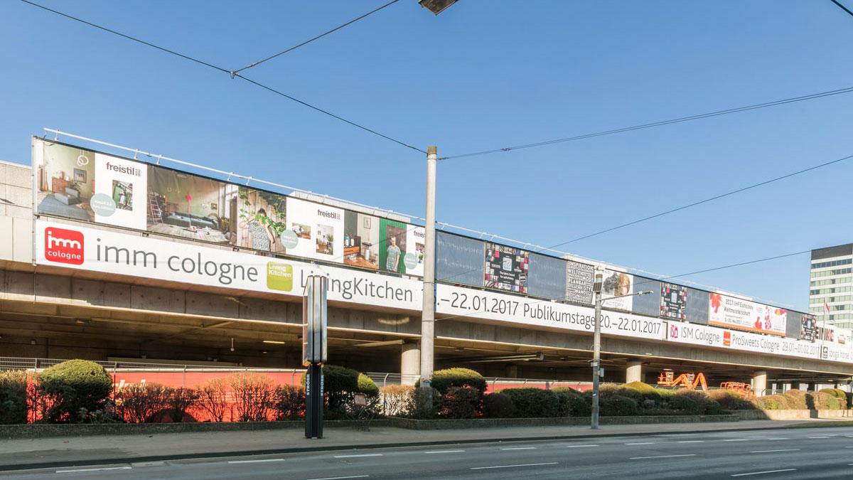 Werbeflächen bei der Koelnmesse - Werbewände