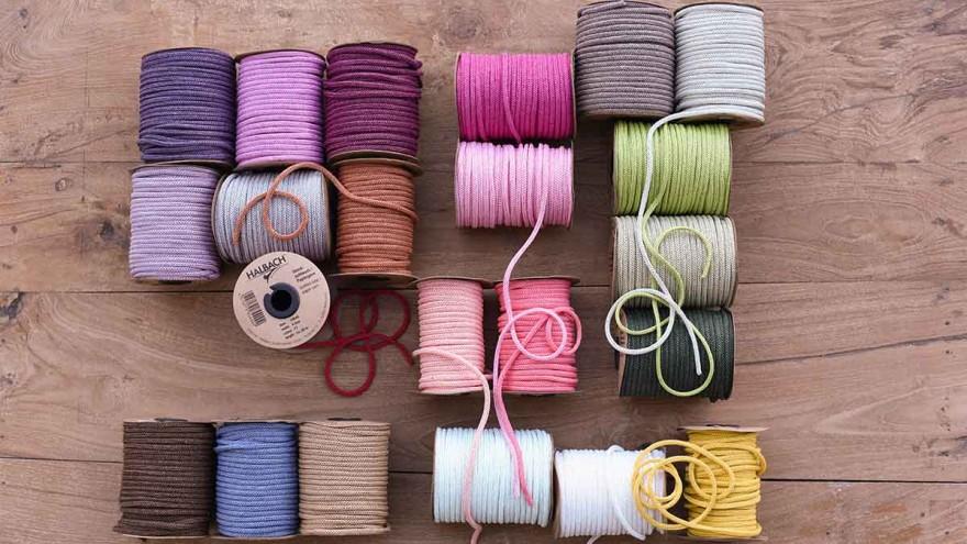 Jutta Nowak: Knitted paper tube 3