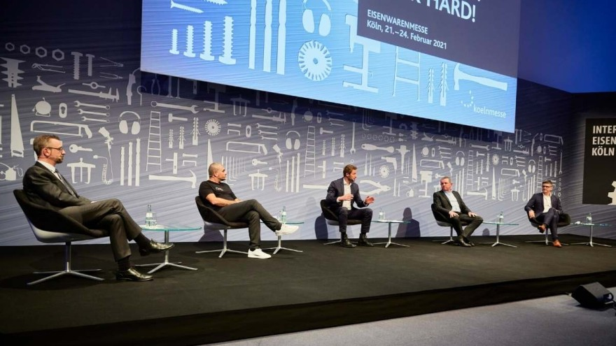 The hybrid press conference of the INTERNATIONAL HARDWARE FAIR.