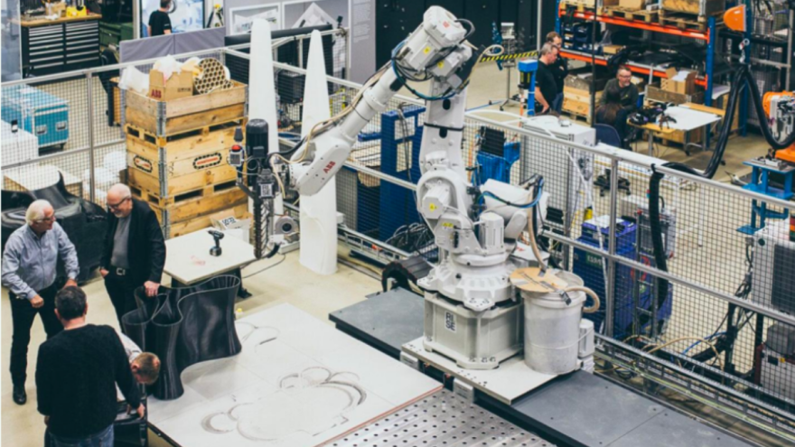 3D printing robot creates a Reform Chair