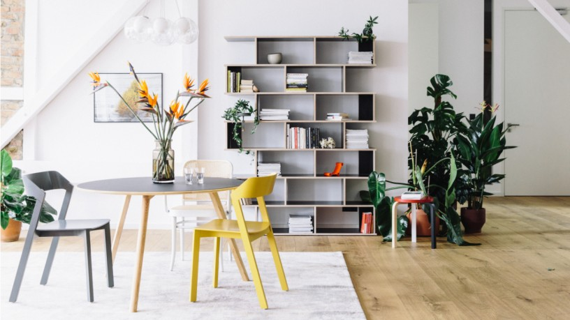 Made-to-measure shelf by Tylko
