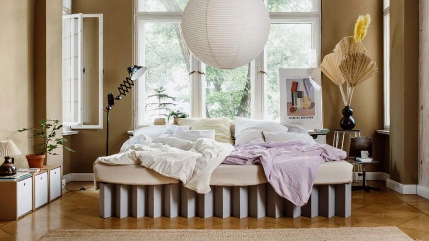 Bett aus Wellpappe von Möbel-Startup Roominabox