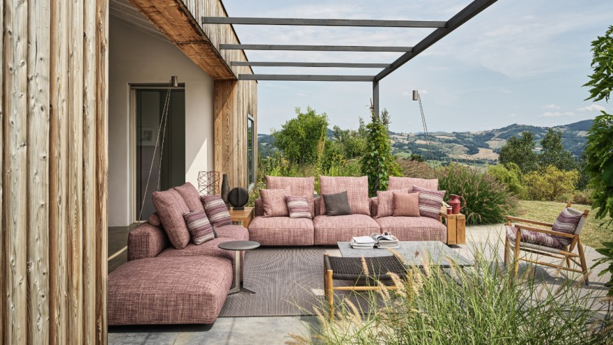 "Italian outdoor sofa ""Grandemare Outdoor"" from Flexform"
